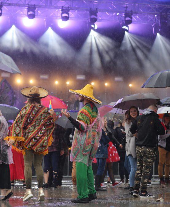 Deszczowy korowód radości