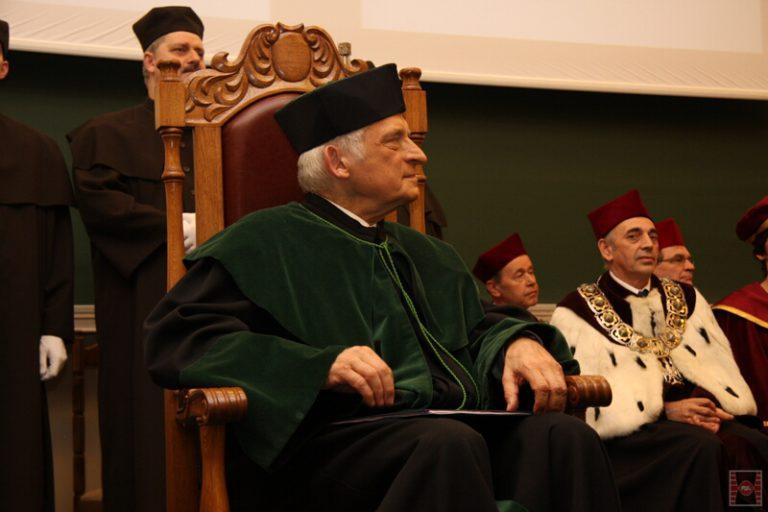 Nadanie tytułu Doktora Honoris Causa Politechniki Świętokrzyskiej Prof. dr hab. inż. Jerzemu Buzkowi, dr h.c.