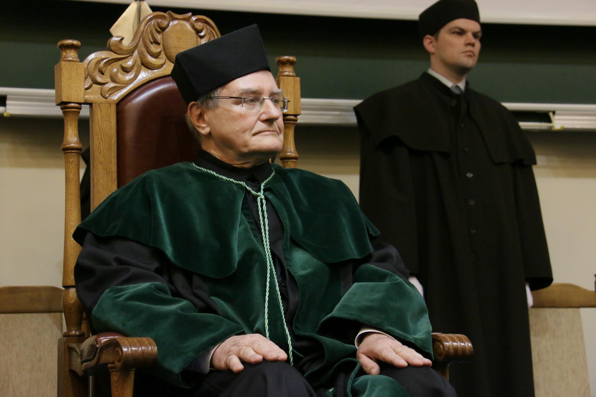 Uroczystość nadania tytułu doktora honoris causa Politechniki Świętokrzyskiej prof. dr hab. inż. Wojciechowi Radomskiemu