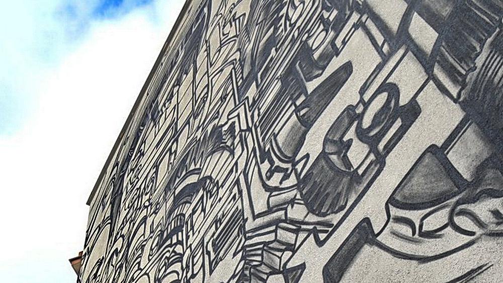 Politechnika muralem stoi